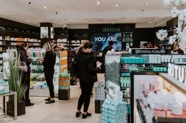 #OdbrojavamDo giveaway: Osvojite Douglas poklon bon za beauty shopping iz snova