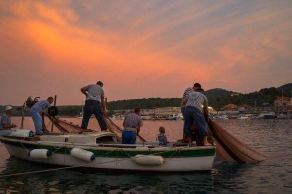 #allaboutchange: Tvornica Mardešić predvodi promjene u održivom ribarenju u Hrvatskoj