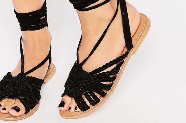 20 jednostavnih crnih sandala