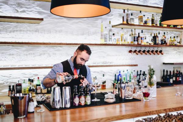 Novi barmen i signature kokteli u Dubravkinom putu