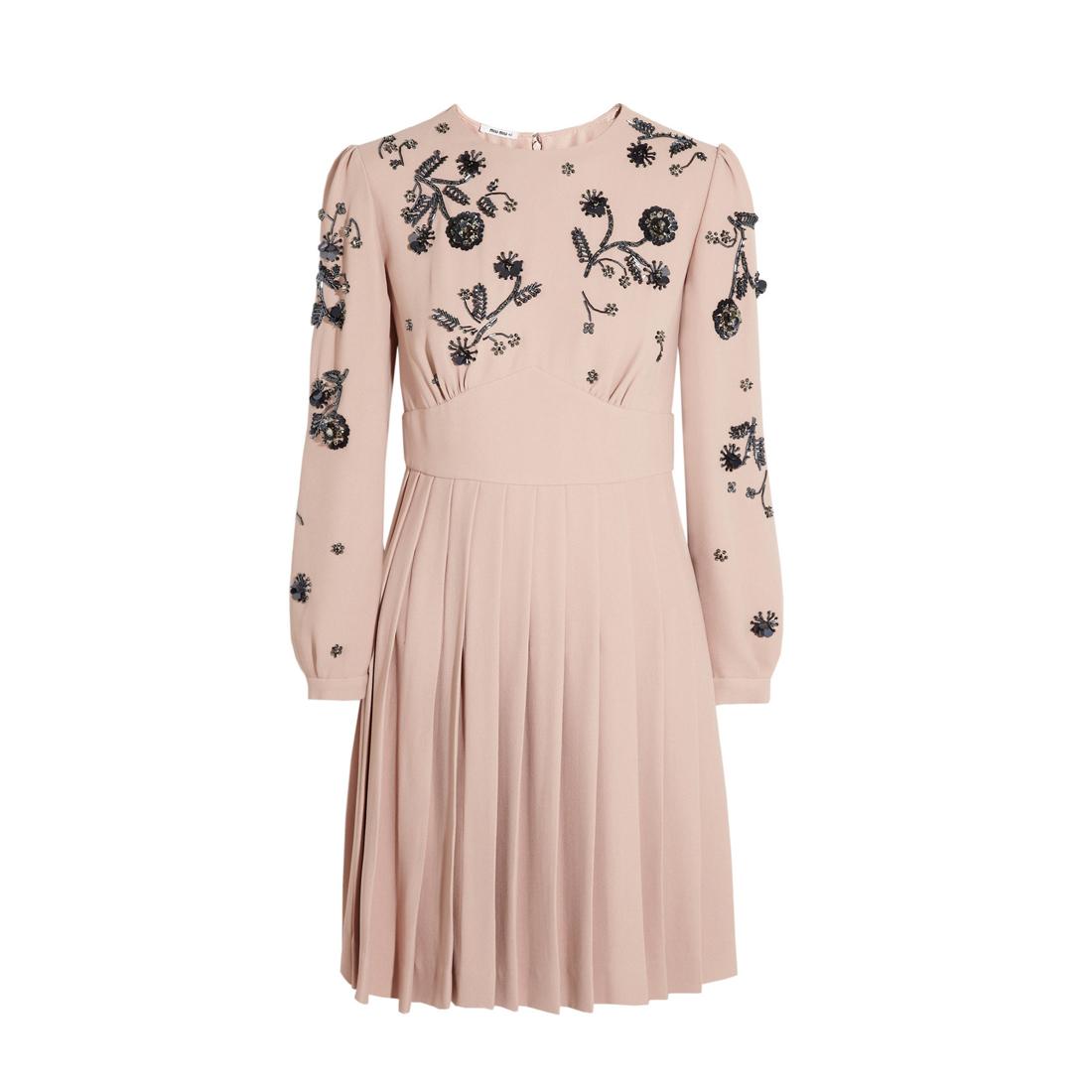 puderasta haljina