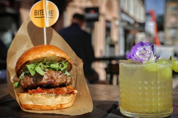 Novosti na proljetnom meniju zagrebačkog 50 Burger & Champagne bara