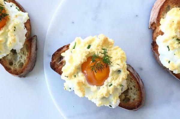 Lagani doručak koji vrijedi isprobati – jaja na oblaku