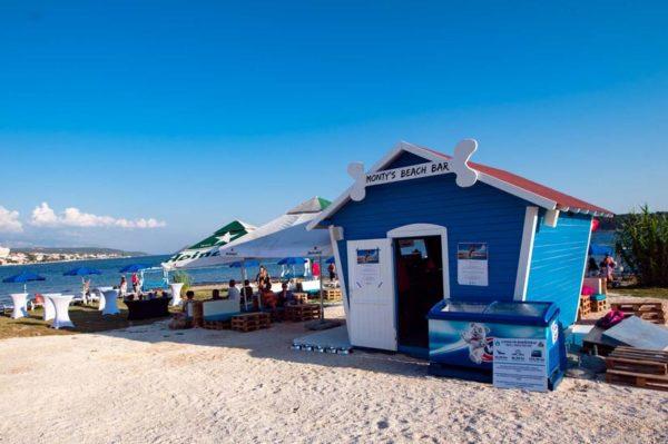 I Rab je dobio beach bar za pse