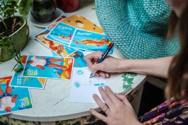 Duhovite ljetne razglednice koje će baš svakoga nasmijati