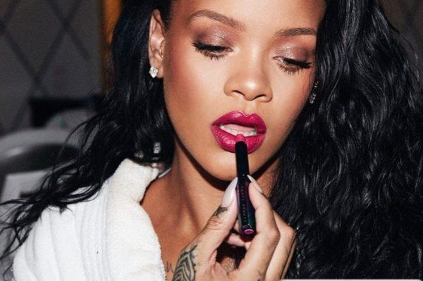 Rihannin make up trik za savršene usne koji ćete isprobati odmah
