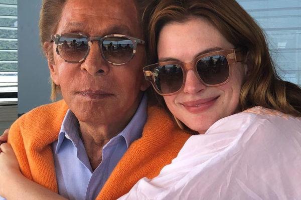 I Anne Hathaway je došla na Valentinovu jahtu koja plovi Jadranskom obalom