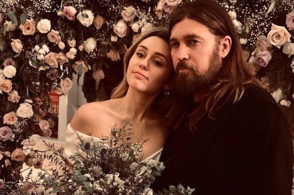 Miley Cyrus je odabrala custom made vjenčanicu Vivienne Westwood