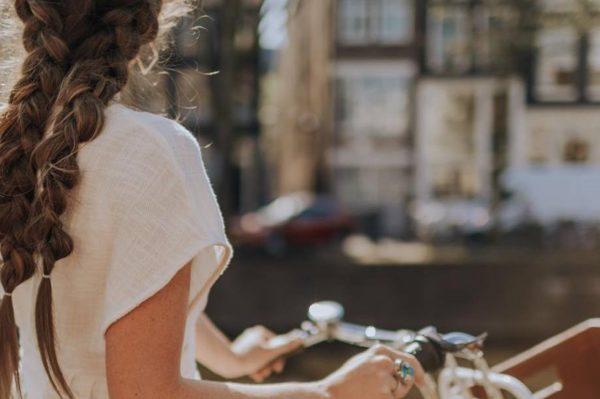 Pletenice na francuski način – najšarmantnija frizura za novu sezonu