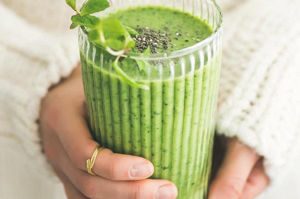 Zeleni smoothie – jedini post blagdanski recept koji će vam danas trebati
