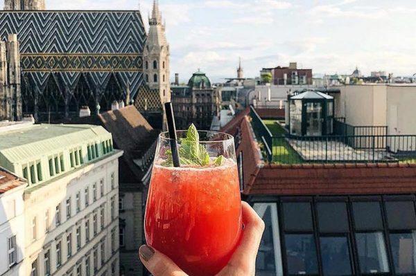 Rooftop barovi koje ovoga ljeta želimo posjetiti u Beču