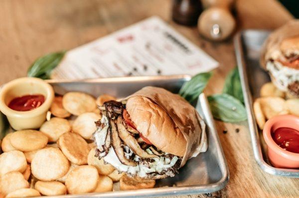 Najbolji zalogaji u gradu: hamburgeri u Burgeraju