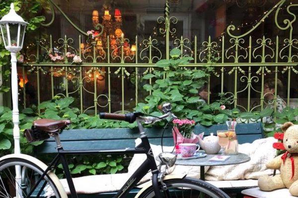 Skrivena dvorišta i terase u Zagrebu na kojima ćete popiti dobru kavu, pivo ili čašu vina