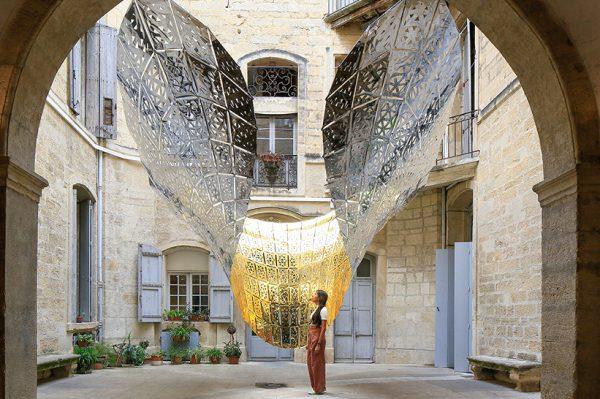 Prekrasna umjetnička instalacija inspirirana trenutkom leptirova leta
