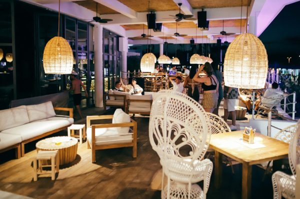 Klupsko-restorantska boho oaza koja spaja vrhunske okuse Mediterana, svjetski cabaret show i elektronsku glazbu