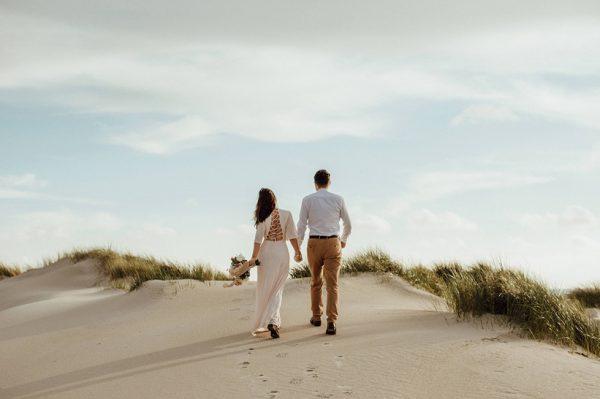 Impresivan nizozemski krajolik za intimne wedding fotografije jednog divnog para