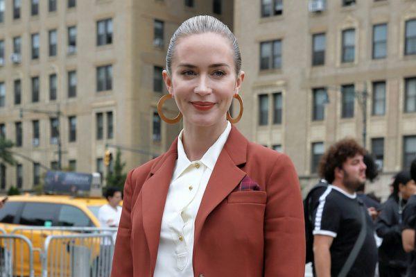 Street style inspiracija: Emily Blunt u savršenom odijelu za jesenske dane