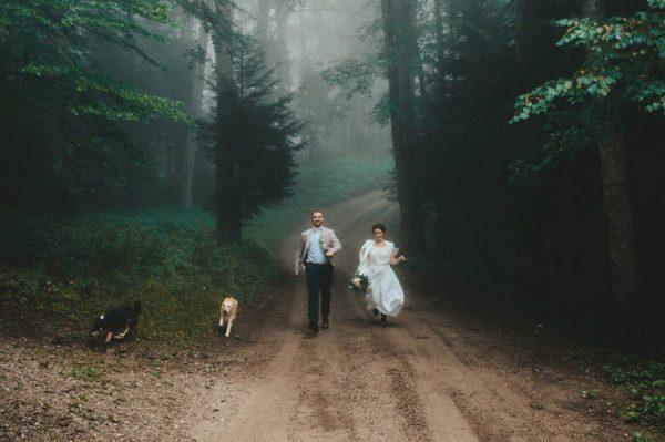 Malo drugačije vjenčanje na Sljemenu s čarobnom maglovitom kulisom