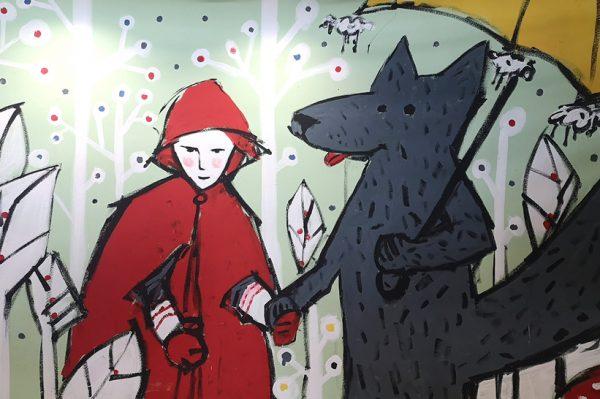 Mural s nešto drugačijim prikazom Crvenkapice i vuka