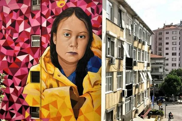 U Istanbulu je osvanuo impresivan mural Grete Thunberg