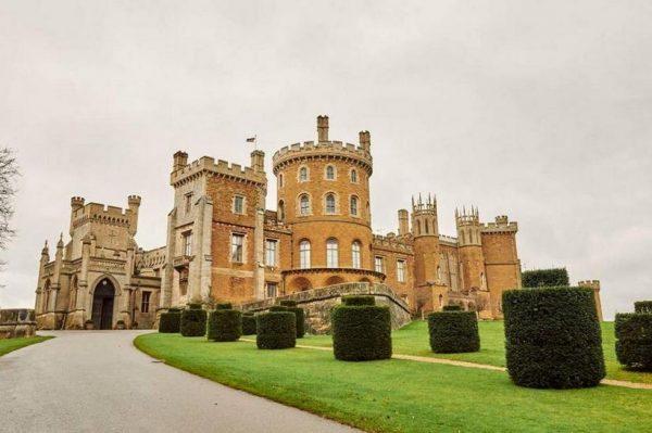 Prespavajte u bajkovitom engleskom dvorcu u kojem se snimala serija 'The Crown'