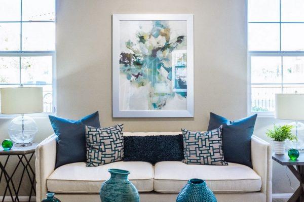 Kako u svoj dom uklopiti klasičnu plavu, boju koja će obilježiti 2020.?