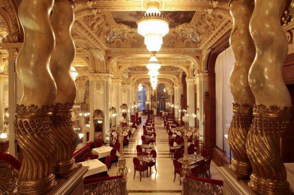 Zavirite u New York Café u Budimpešti, jedan od najljepših kafića na svijetu