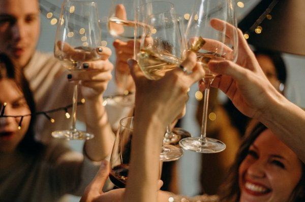 Kako organizirati savršen novogodišnji party kod kuće?