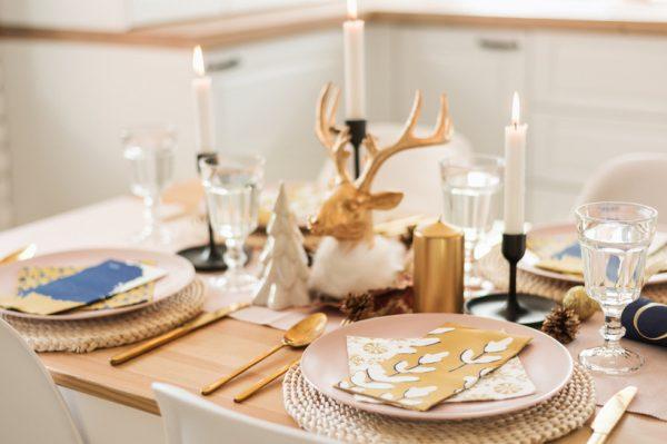 Kako pripremiti savršenu novogodišnju dekoraciju stola?