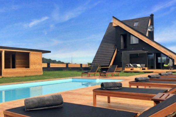 Kuća u Gorskom kotaru koja će vas osvojiti upečatljivom arhitekturom i interijerom