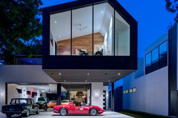 Journal Man: Predivna kuća koja je san snova svakog ljubitelja automobila