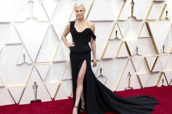 Što su poznate glumice nosile na crvenom tepihu glamurozne dodjele Oscara?