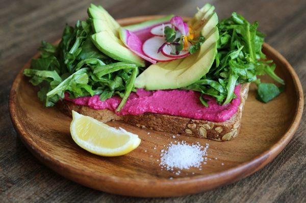 Staklenka puna dobrih sastojaka – brzi obrok koji ne šteti zdravlju
