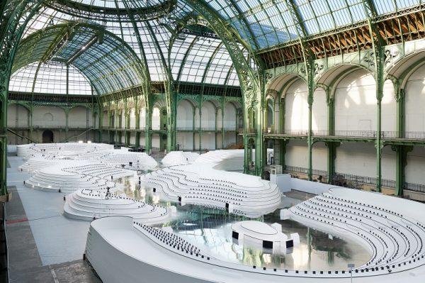 Održana je još jedna cool revija modne kuće Chanel u Parizu