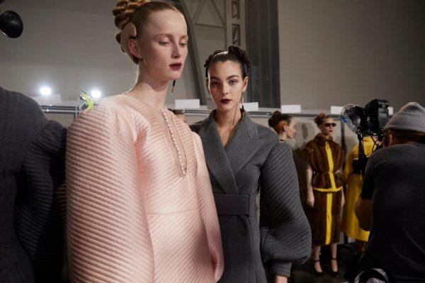 Od nude do grafičkog looka – 5 make up trendova s modnih pista