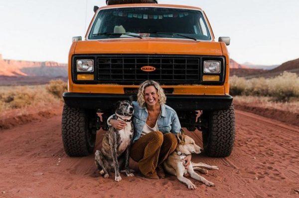 Journal Pets: Ova dva psa neizmjerno uživaju u životu i u bijegu od stvarnosti sa svojim vlasnicima
