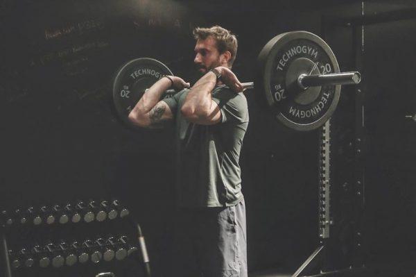 Journal Man: Što izabrati – slobodne utege ili sprave za vježbanje?