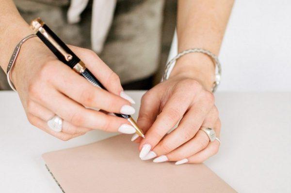 Što biste trebali raditi, a što izbjegavati kako bi vaši nokti bili i ostali zdravi dok ste kod kuće