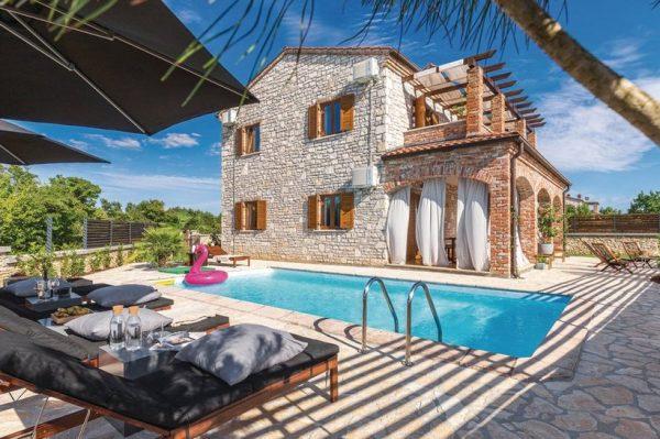 Predivna kamena kuća u Istri u kojoj bismo voljeli provesti godišnji odmor