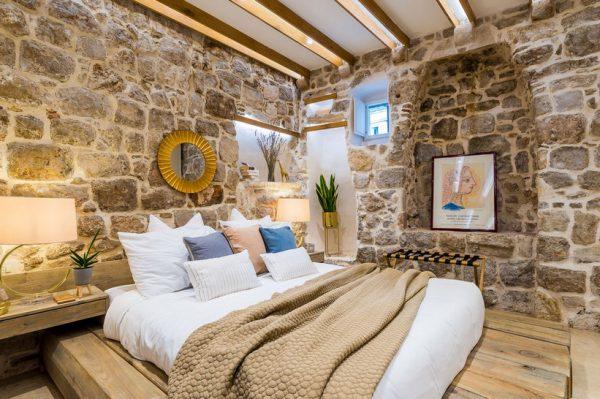 Zavirite u divno uređen apartman u jednoj od najstarijih očuvanih kuća u Dubrovniku