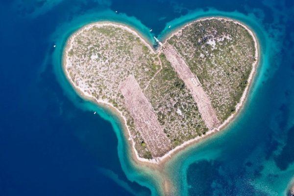 Hrvatski otočić u obliku srca jedno je od najljepših mjesta na svijetu