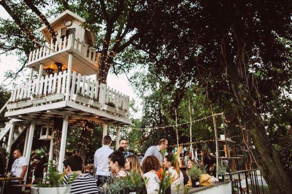 Ovo su kafići s najljepšim terasama u Zagrebu na kojima ćemo provoditi vrijeme