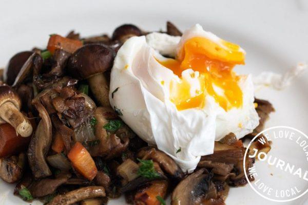 #WeLoveLocal recept: Ragu od gljiva s poširanim jajem