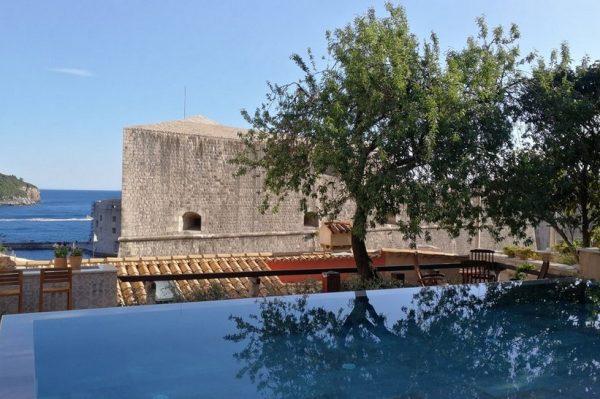 Kako je 150 godina stara kuća u Dubrovniku preuređena u tri apartmana s bazenom