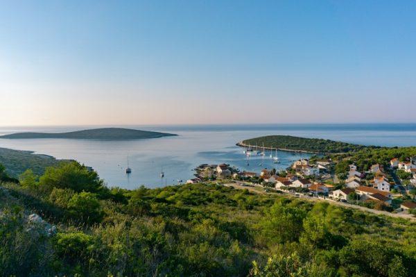 Poznati inozemni portal proglasio 5 hrvatskih otoka koji se moraju posjetiti barem jednom u životu