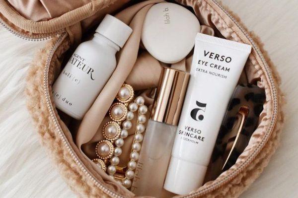 8 proizvoda koje bi trebala imati svaka kozmetička torbica