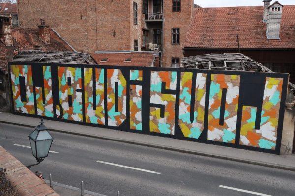 Mane Mei: razgovarali smo s mladićem koji stoji iza najpozitivnijih grafita u gradu