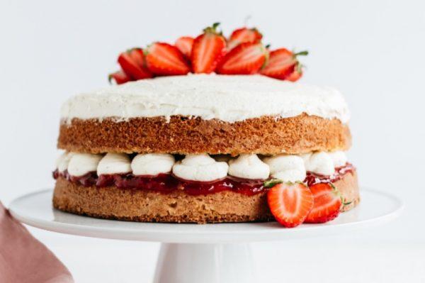 Hungry Mile: Najljepša proljetna torta s jagodama