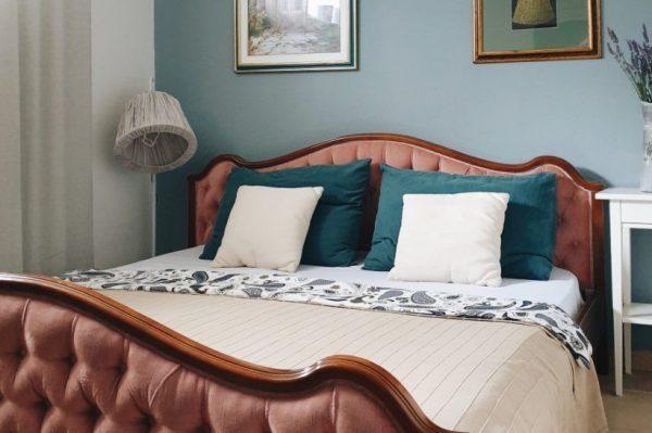 Kako je preuređena jedna suterenska spavaća soba na moru?