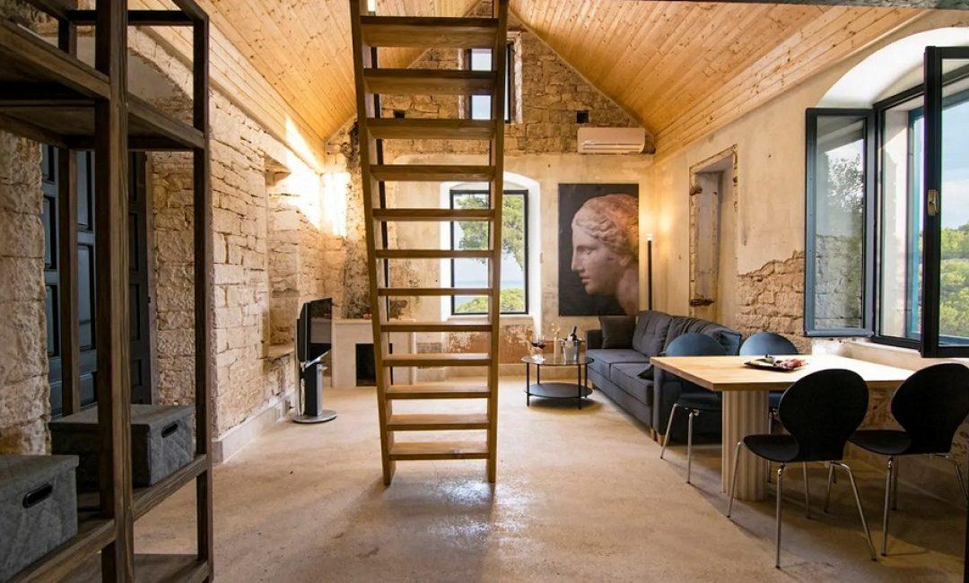 Ova divna kućica na jedinstvenoj lokaciji na Braču prava je oaza mira